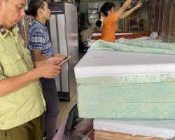 Bắt phạt cửa hàng bán đệm Sông Hồng giả nhái